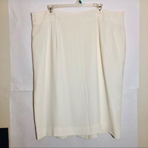 Gianni Sport Special Sizes Cream Mid Line Skirt 22